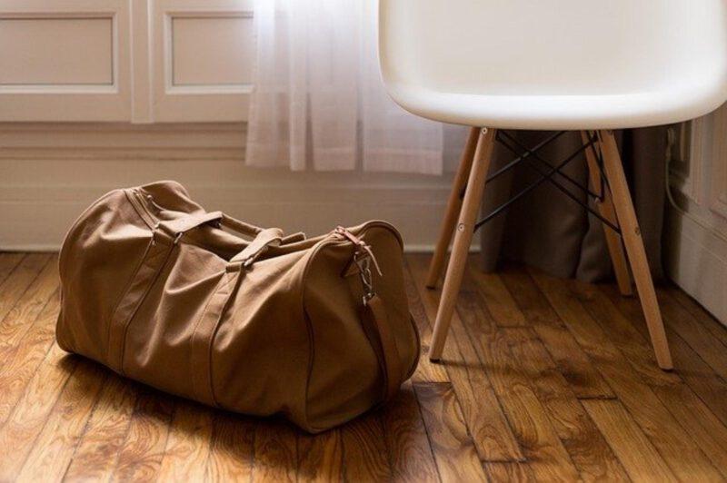Wakacje z walizką podręczną? To możliwe!